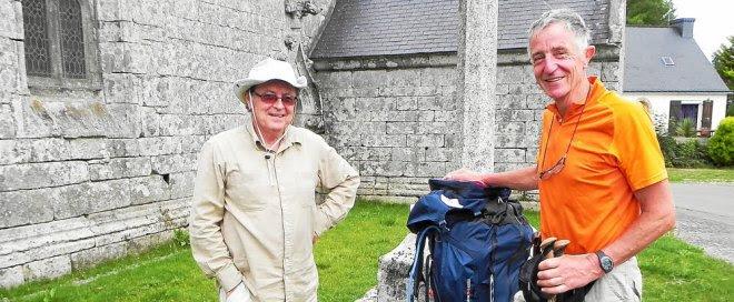 Le Bannalécois Rolland Pensec (àgauche), a souhaité bonne route à son ami,...