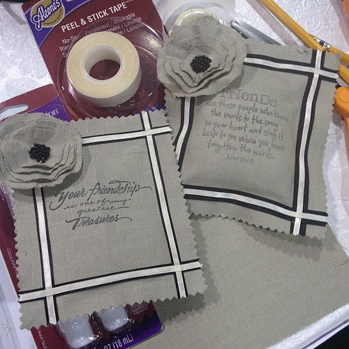 Aleene's Make&take hosted by Tiffany Windsor! Cute lavender sachets with friend quotes!