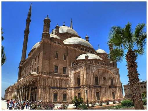 Most-Magnificent-Mosques-in-the-World-9