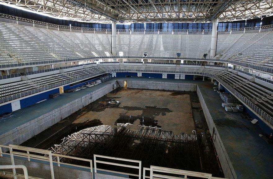 perierga.gr - Τα ολυμπιακά κτήρια στο Ρίο 6 μήνες μετά!
