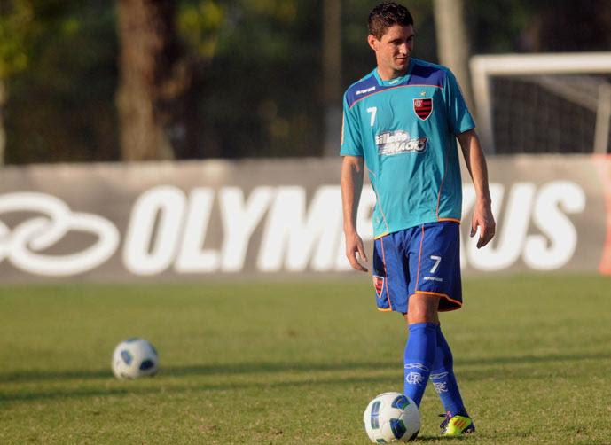 Contratar ou não Thiago Neves, eis a questão!