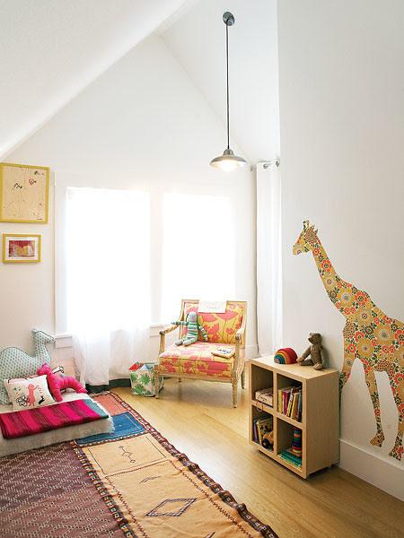 giraffe, whimsical, pillows, reading, playtime, kids, interior design, homedecor