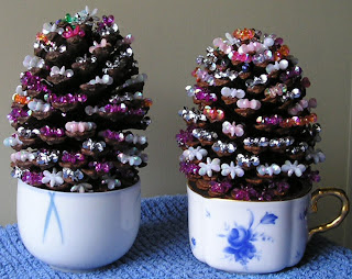 Xmas trees on cups