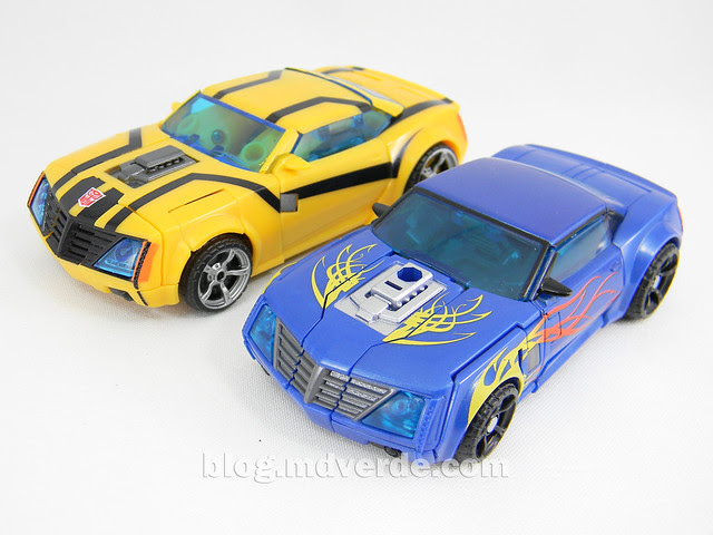 Transformers Hot Shot Deluxe - Transfomrers Prime RID - modo alterno vs Bumblebee First Edition