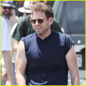 Jonah Hill Shows Off His Buff Biceps on Set of His New Movie