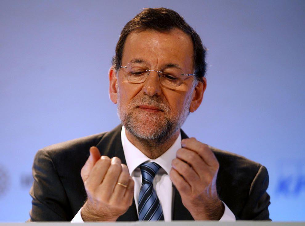 Más de 5.000 euros al mes para cuidar al padre de Rajoy mientras más de 421.000 dependientes esperan alguna ayuda.