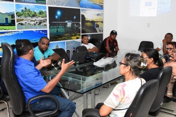 Reunião entre PMF e vendedores ambulantes discute construção de camelódromo em Floriano.(Imagem:SECOM)