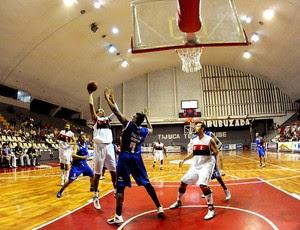 Marquinhos basquete Flamengo x Suzano (Foto: Alexandre Vidal / Fla Imagem)