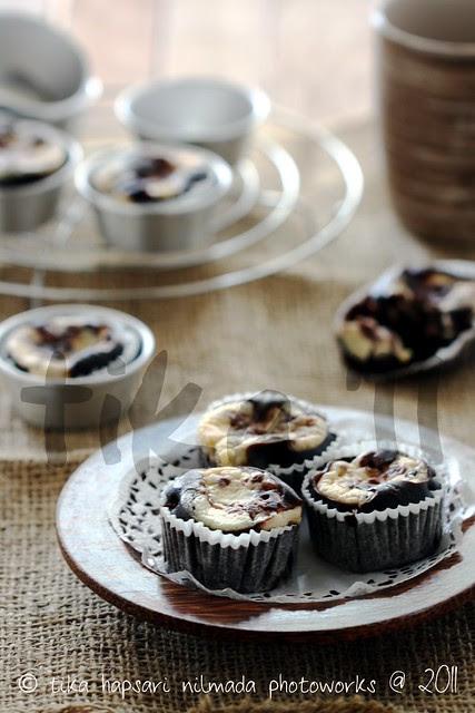 (Homemade) Chocolate cream cheese cupcakes