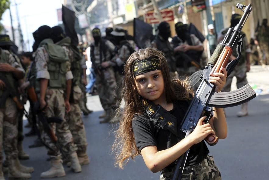 A guerra ideolgica e o recrutamento de crianas e adolescentes ao trfico de drogas e ao terrorismo