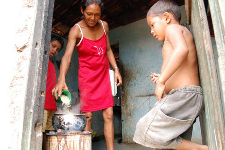 De acordo com o IBGE, mais de 400 mil pessoas no Estado estão em condição de extrema pobreza