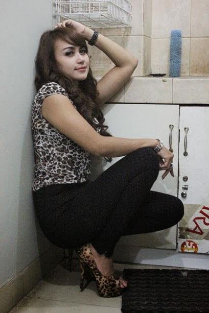 Foto Penyanyi dangdut Bebizie