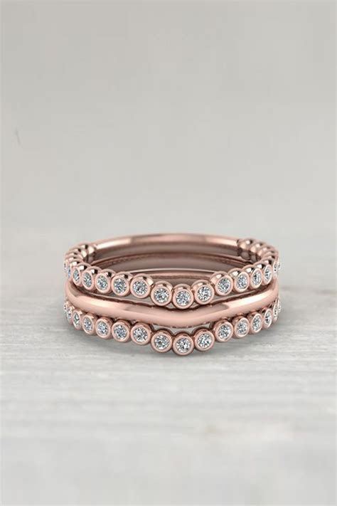 1000  ideas about Curved Wedding Band on Pinterest   Halo