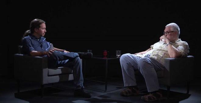 Un momento de la entrevista de Pablo Iglesias a Manuel Monereo en 'Otra Vuelta de Tuerka'. PÚBLICO