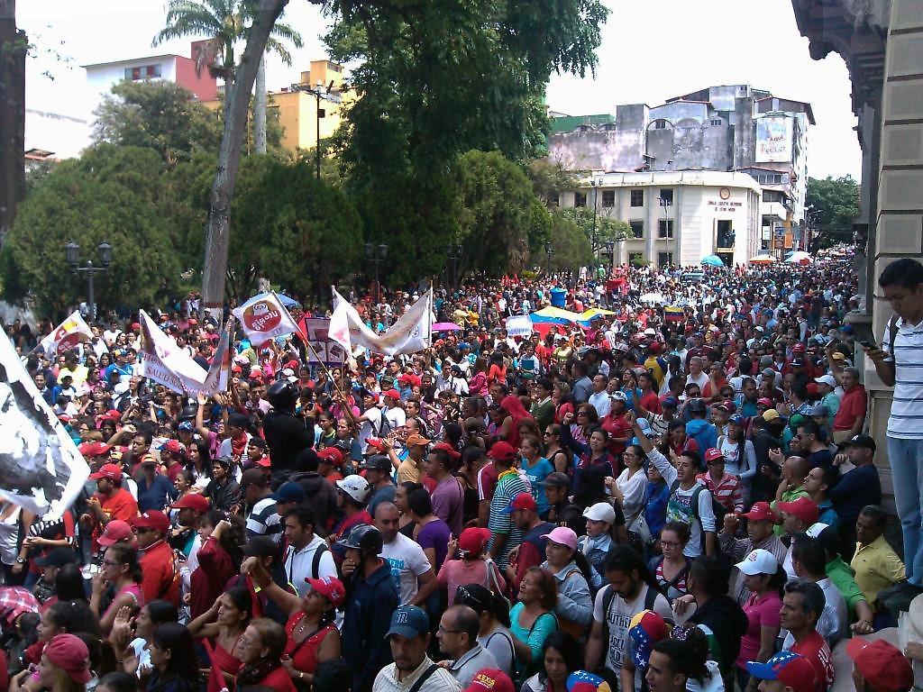 Multitudinaria concentración del pueblo chavista se manifestó en apoyo al  gobierno de Nicolás Maduro