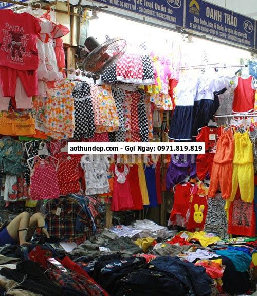 kinh nghiệm mua buôn quần áo ở chợ đồng xuân