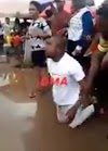 A Nigerian man weeping and rolling in the mud after his girlfriend rejected his marriage proposal (Video)