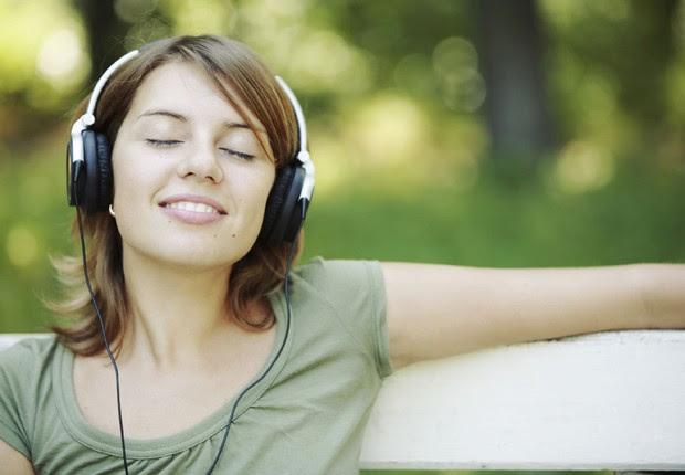 Relaxar ; ouvir música ; geração Y ; curtir a vida ;  (Foto: Shutterstock)