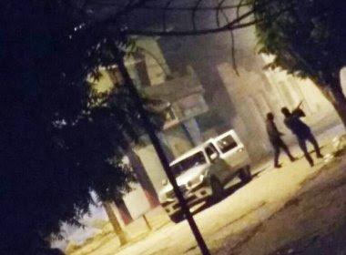 Cipó: Quadrilha explode banco, bloqueia ponte e atira contra delegacia