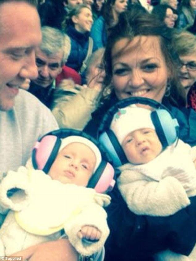 Mum de sete: Johannah deu à luz a seus filhos mais jovens - seus gêmeos Ernest e Doris há dois anos