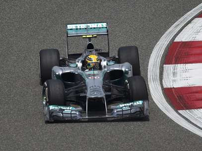 Lewis Hamilton fez as melhores voltas no Q1, no Q2 e no Q3 Foto: Reuters