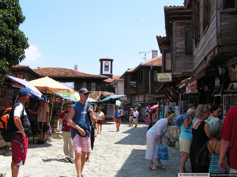 На улицах Старого Несебра