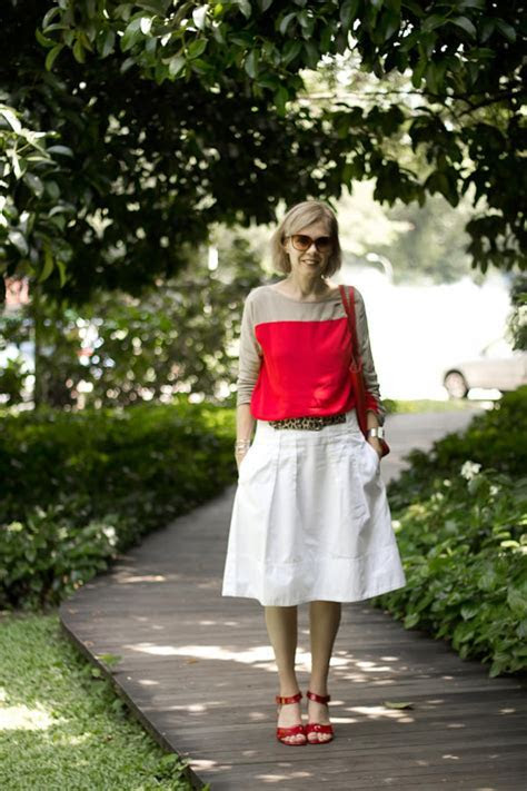 How to wear red over 40   40plusstyle.com