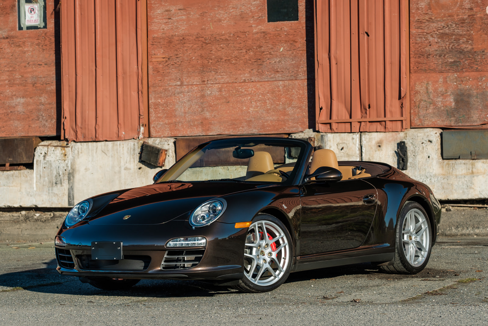 2012 Porsche 911 Carrera 4S Cabriolet - Silver Arrow Cars Ltd.