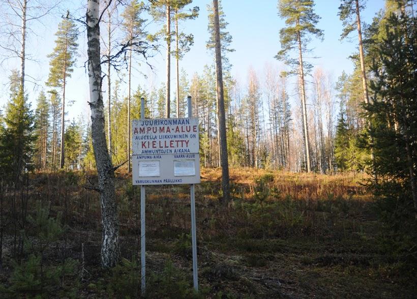 Havaintoja uudesta maailmanjärjestyksestä: Vekarajärvellä metsään rynnäkkökiväärin kanssa ...
