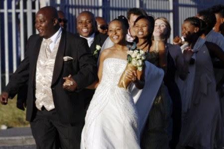 White Wedding is also a road trip movie, as Ayanda's perfect day is