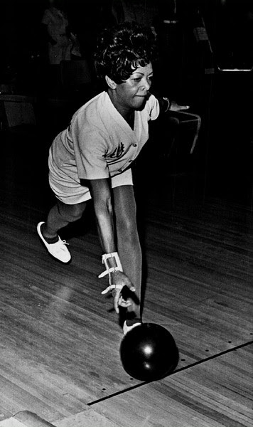 Description of  JUL 12 1973 - X-Ray Technician Florine Callaway, Colorado's first black pro bowler. (Barry Staver/The Denver Post)