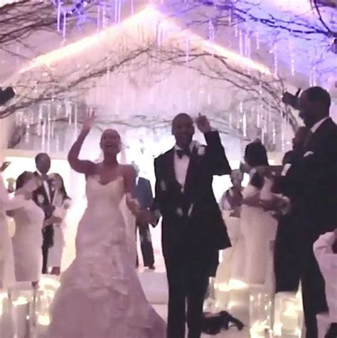 Beyonce didn't really like her wedding dress when she
