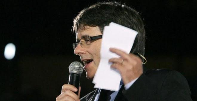 El president Carles Puigdemont durant la seva intervenció a l'inici de campanya pel referèndum / EFE. Toni Albir