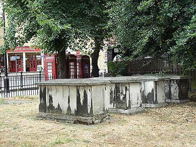 cimetière de Saint Alfège.jpg
