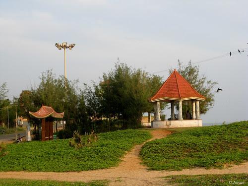 tiled hut bench