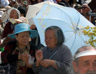 6crowd-parasol!.jpg