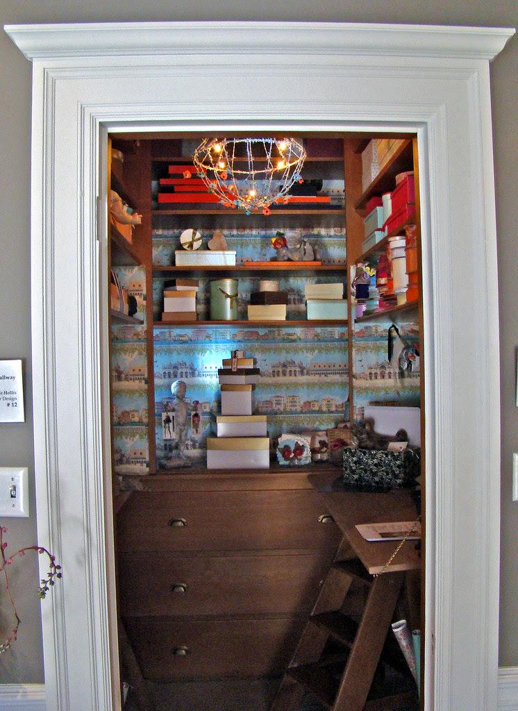 DSC05781 SF Decorator Showcase Giftwrap Closet