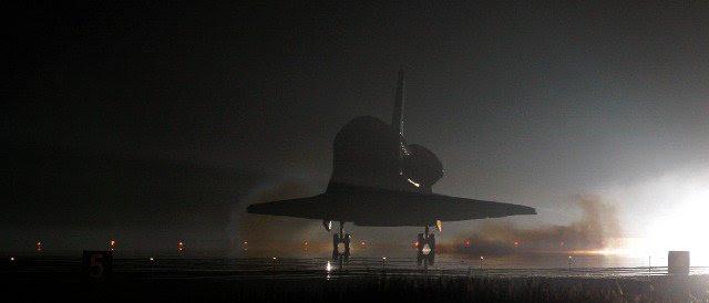 Mar26-2003-STS123-landing
