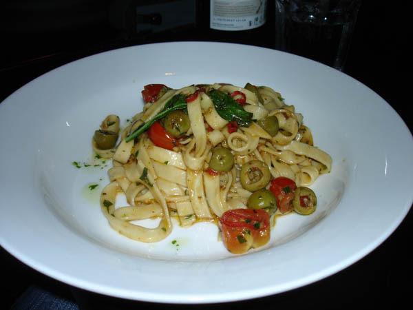 Pastabella - fetuccine puttanesca.
