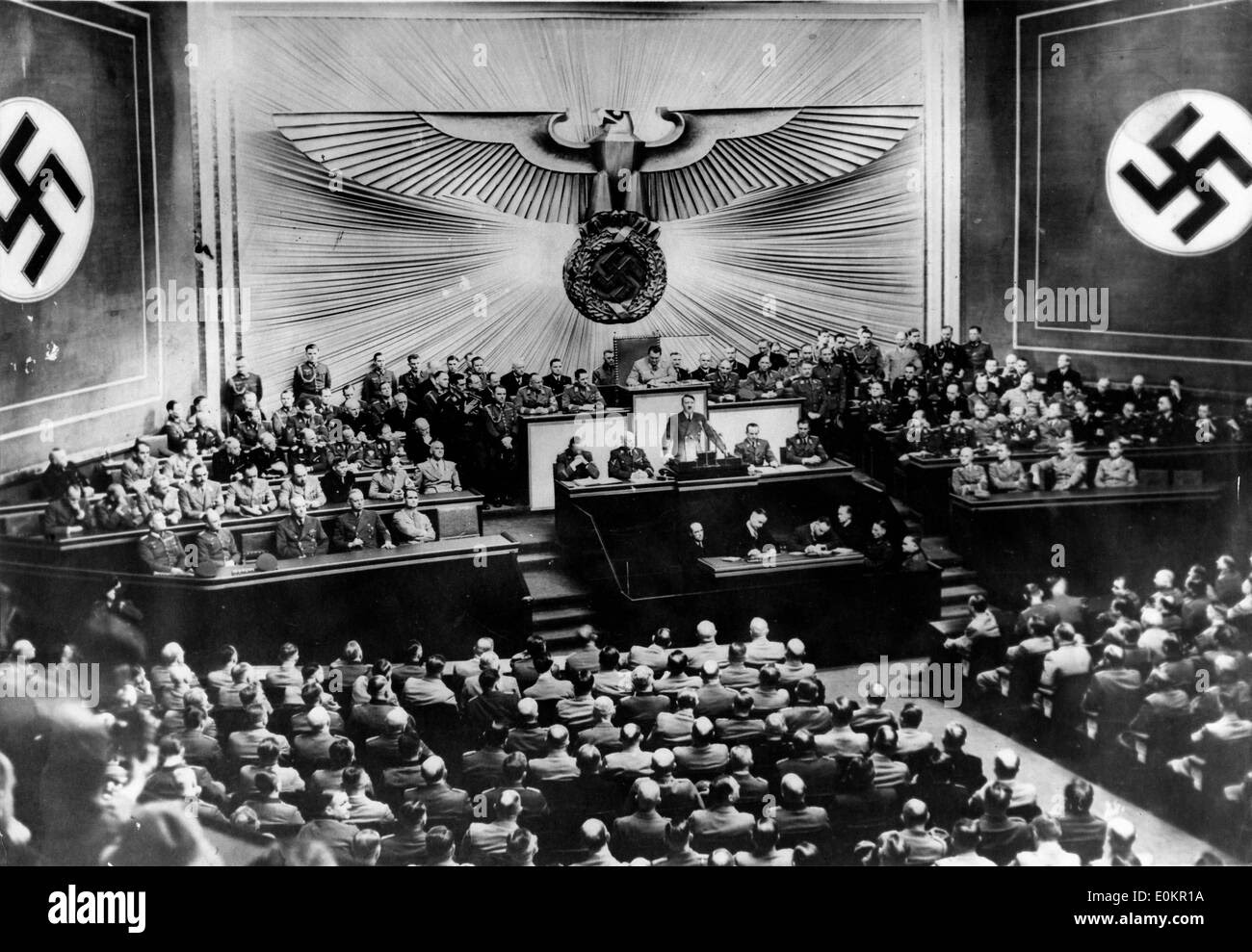http://c8.alamy.com/comp/E0KR1A/adolf-hitler-during-a-meeting-at-the-reichstag-E0KR1A.jpg