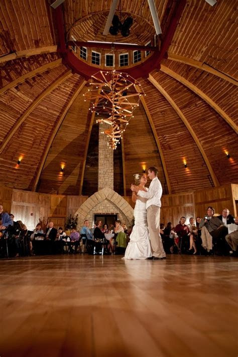 76 best Black and Gold Weddings images on Pinterest
