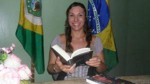 'Quero mostrar que é possível', diz travesti cotada a reitora no Ceará