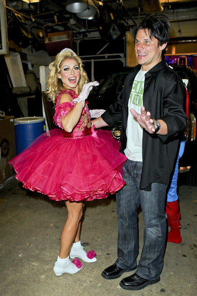Nick Lachey - Kelly Ripa and Nick Lachey in Costume 2