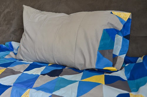 Triangle-edged pillowcases for triangle quilt