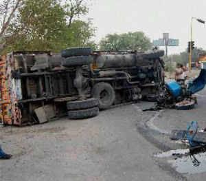 6 die as train hits truck in Chittorgarh