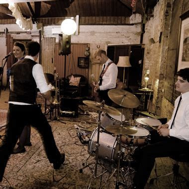 Live Band Entertainment Melbourne   Wedding Bands