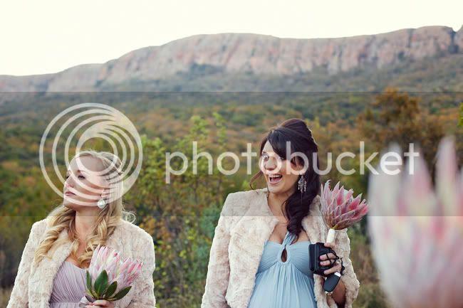 http://i892.photobucket.com/albums/ac125/lovemademedoit/PARRY_Ceremony_248.jpg?t=1319741522