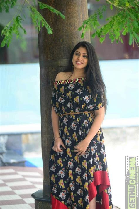 actress veena nandakumar  latest hd cute gallery
