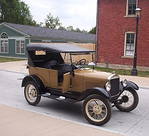 Picture of non-black 1927 Model T at Greenfiel...