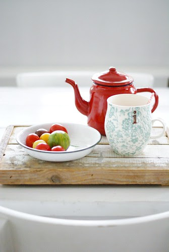 tea & tomatoes by wood & wool stool